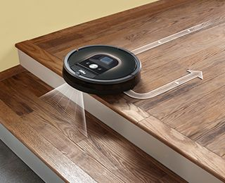 iRobot Roomba 966 - Carefully moves throughout and between rooms